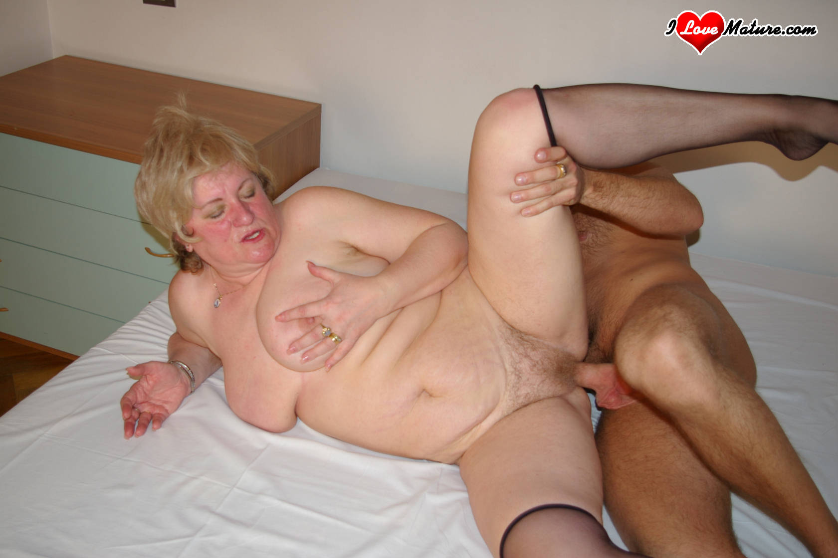 Bisex couples and she males live-ins