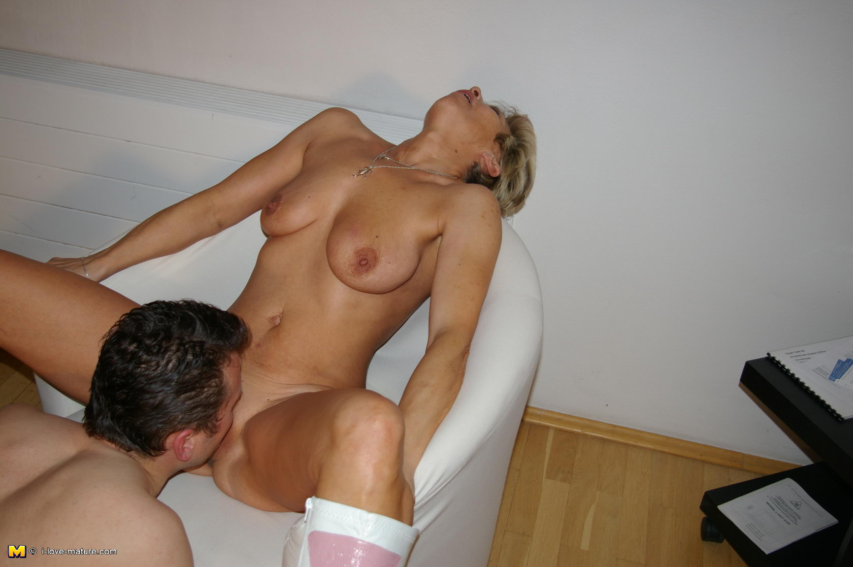 Fucking lonely housewife to an anal orgasm 6