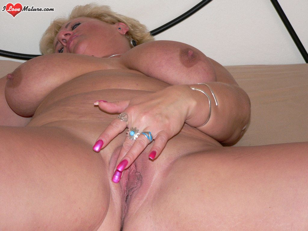 Mature Dripping Vagina 67