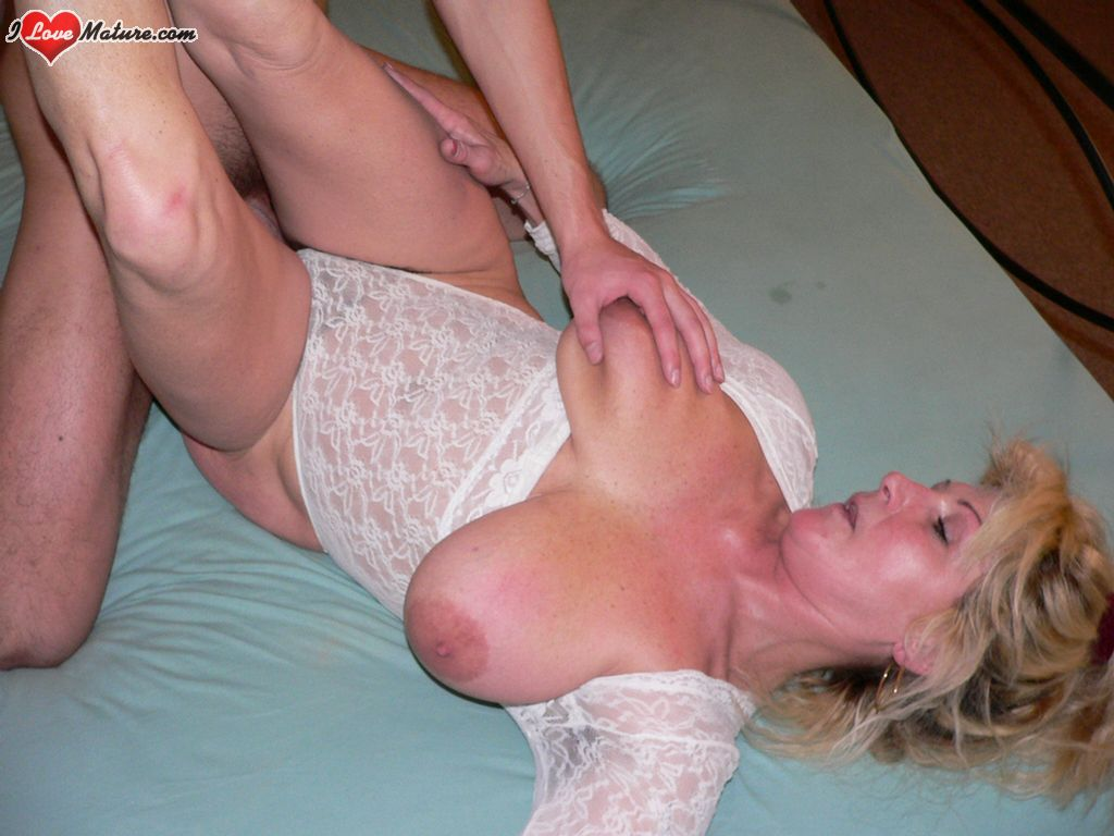 slim mature fucking her brains out