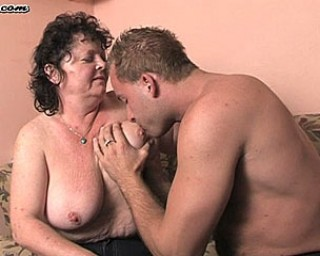 This older fanny loves a hard throbbing cock